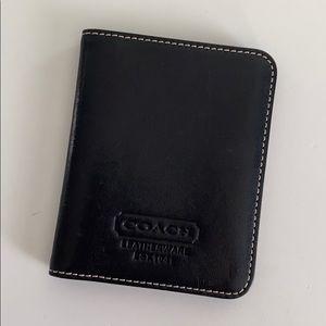 Coach: Card Wallet in Black!